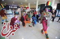 بیستمین جشنواره تابستانی کیش با میهمانی گروه دلقک ها در بازارهای کیش